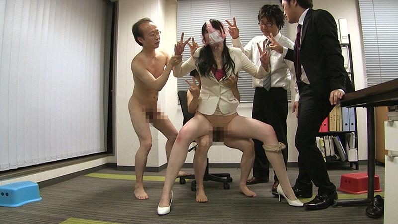 【大谷翔子】淫乱痴女の美女OLを乱交着衣ハメ!パンスト・スーツ姿で大量ぶっかけw