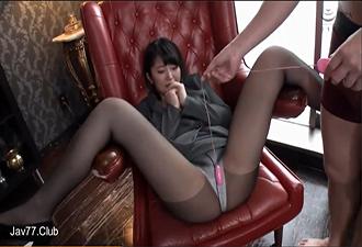 素人美女をパンストのままハメ撮り!昼休みを利用してセックスを満喫する美人OL